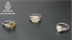 Se traga tres anillos valorados en 800.000 euros en Feria de lujo